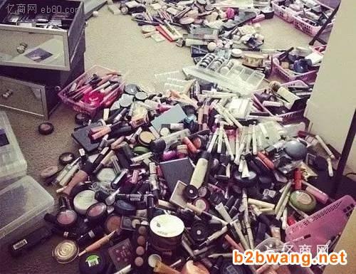 松江区一大批化妆品销毁-松江区过期化妆品焚烧站图1